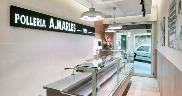 Nova vitrina frigorífica Pollería Marles